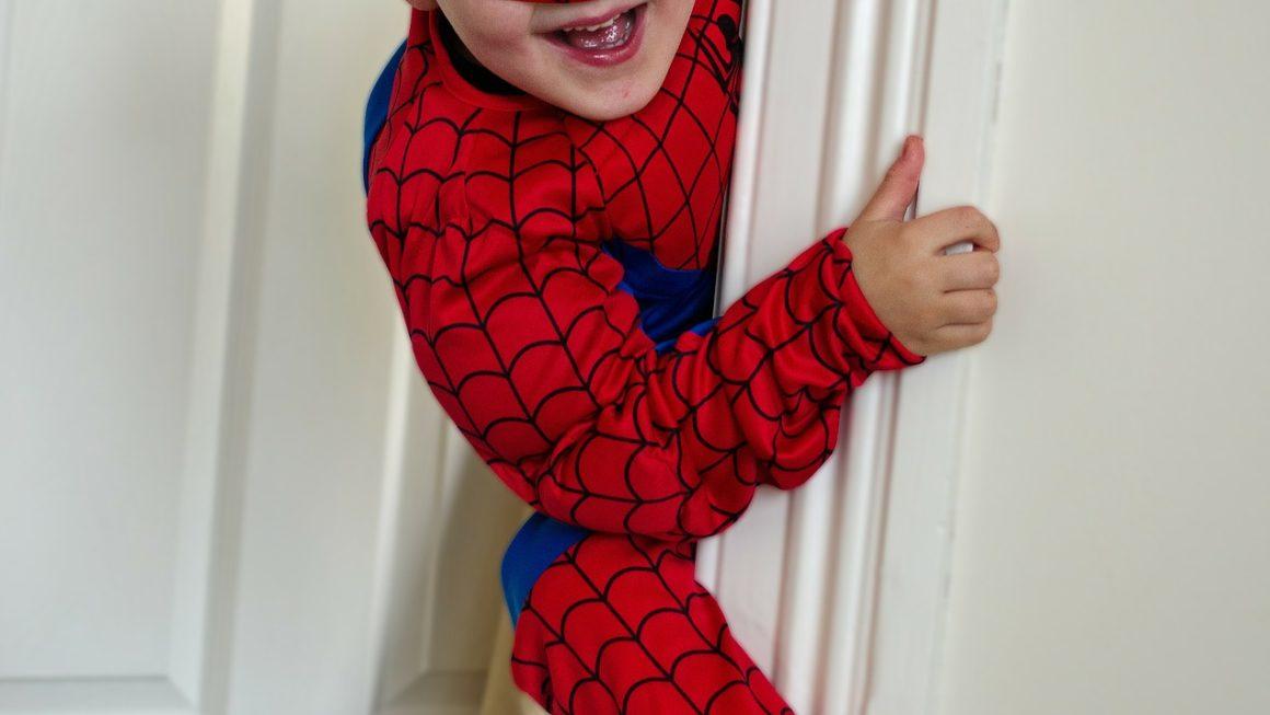 Nouvelle pub Evian : le secret de jeunesse de Spiderman !